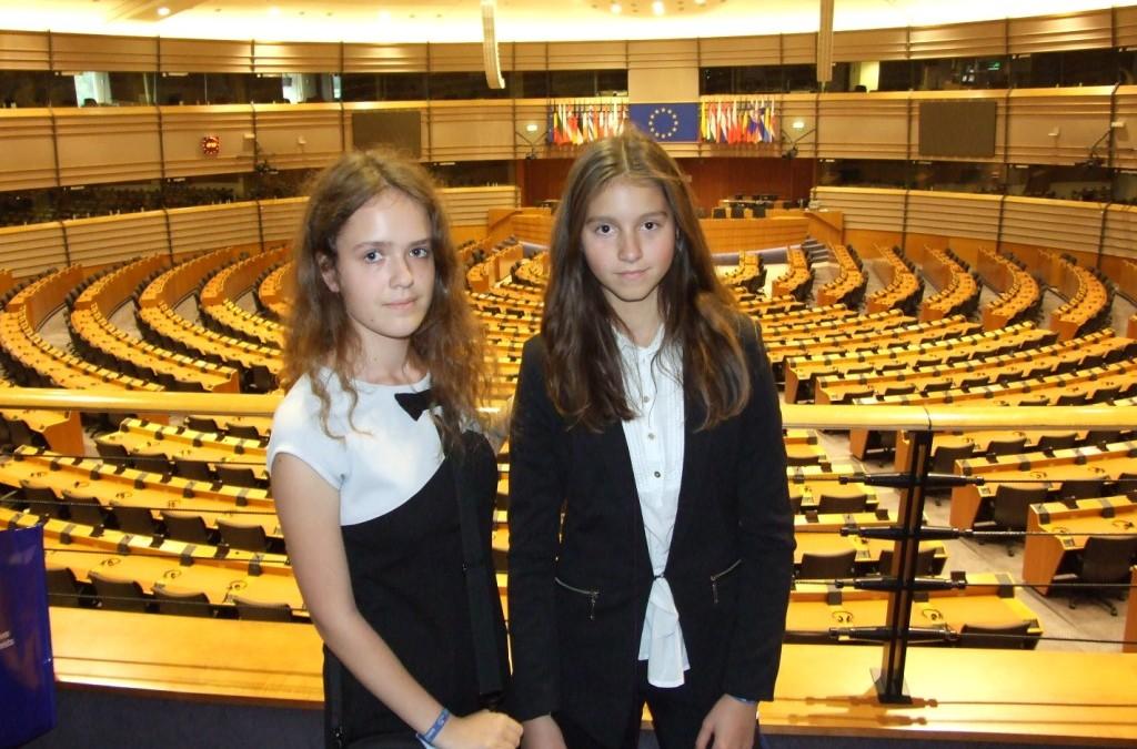 Julia Cisak i Kasia Zapiór w Brukseli – relacja i fotorelacja